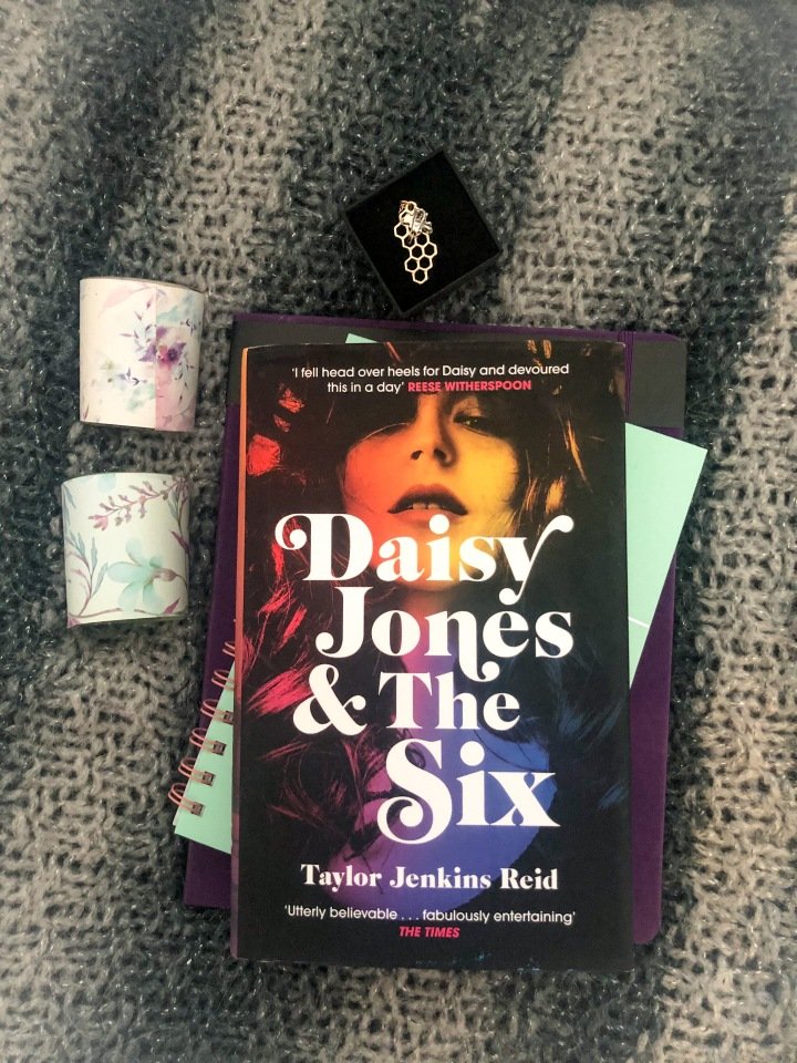 Review: Daisy Jones and the Six by Taylor JenkinsReid